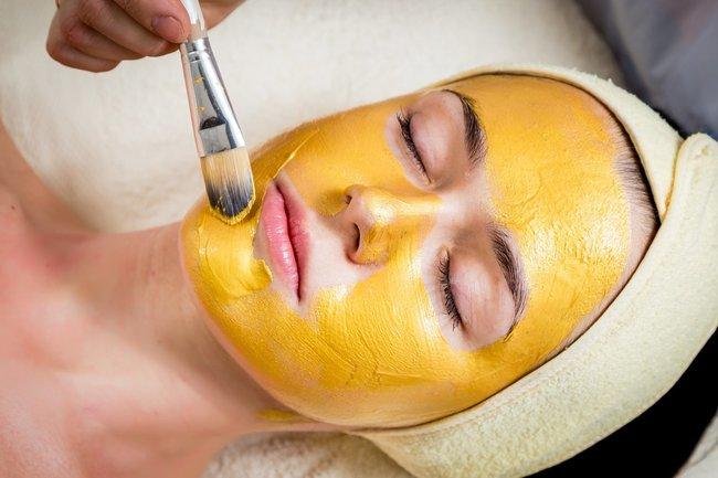 Желтый пилинг лица