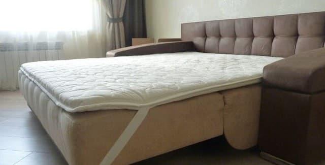 Возможности использования матрасов топперов для создания комфортного спального места дивана