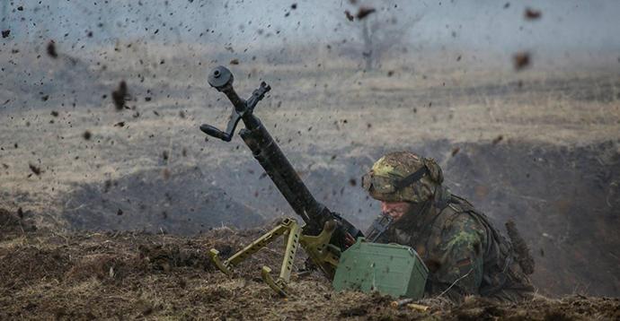 Внаслідок ворожого обстрілу, постраждав український військовий,- штаб ООС