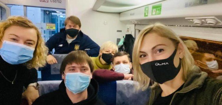 """""""Слуги"""" поїхали на Донбас на два дні перед виборами"""