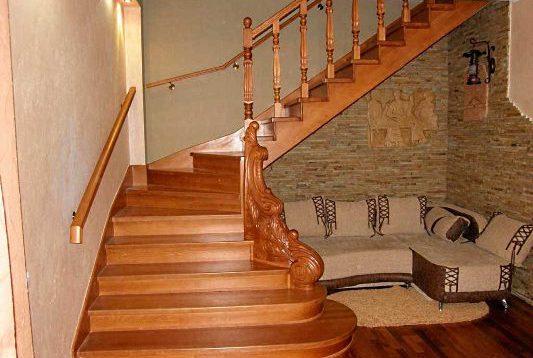 (Рус) Из какого дерева стоит выбрать лестницу