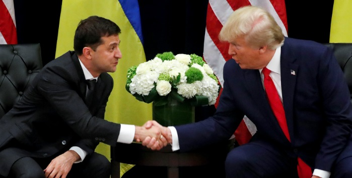 """Зеленський заявив, що він """"трохи злий"""" на Трампа. ВІДЕО"""