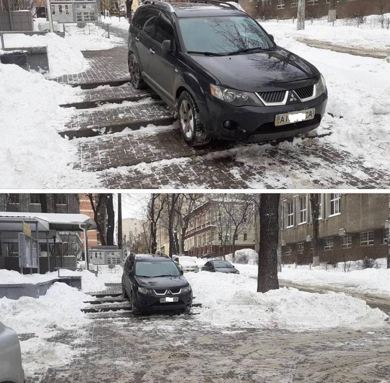 """У Києві """"герой парковки"""" залишив свій автомобіль прямо на пішохідних сходах. ФОТО"""
