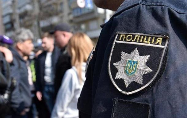 Душив і заклеював рот скотчем: у Києві іноземець скоїв збройний напад на пенсіонера