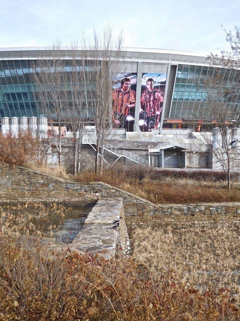 """У мережі показали, як окупанти занедбали """"діамант Донецька"""" стадіон """"Донбас Арена"""""""