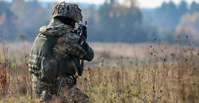 Військовий кореспондент: ворог атакує і провокує, а ЗСУ повинні чекати команди з Києва на вогонь у відповідь