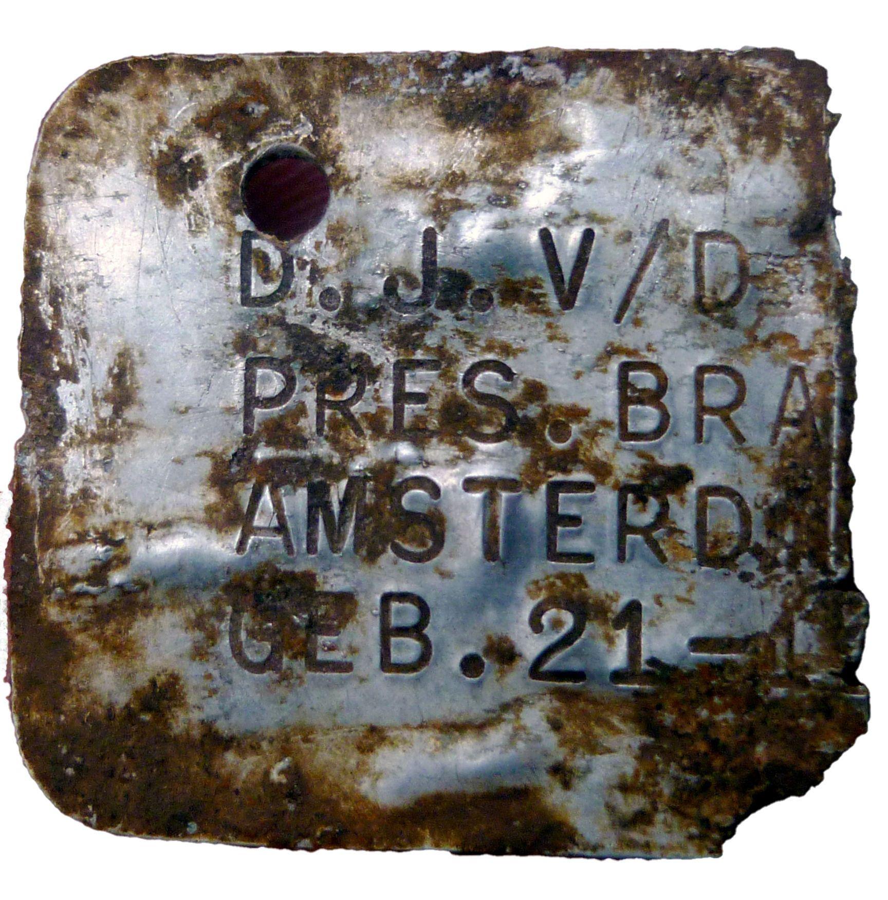 В Собіборі археологи виявили металеві бірки дітей, відправлених до таборів смерті. ФОТО