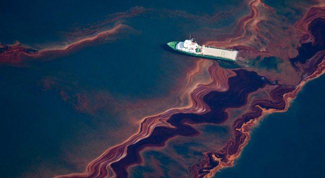 В океані знайшли вуглеводневий цикл, який забруднює води більше, ніж антропогенні катастрофи