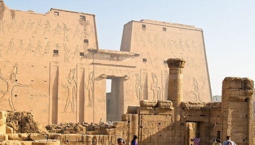 Археологи знайшли в Єгипті найдавнішу пивоварню в світі