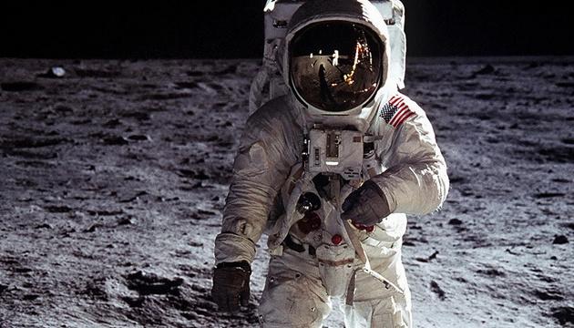 В NASA обіцяють відправити першу жінку на Місяць до кінця десятиліття