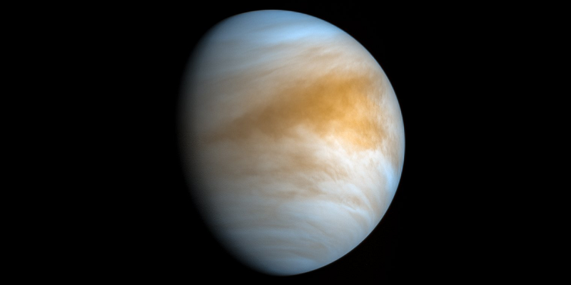 Аппарату Parker Solar Probe удалось случайно заглянуть под плотные облака Венеры