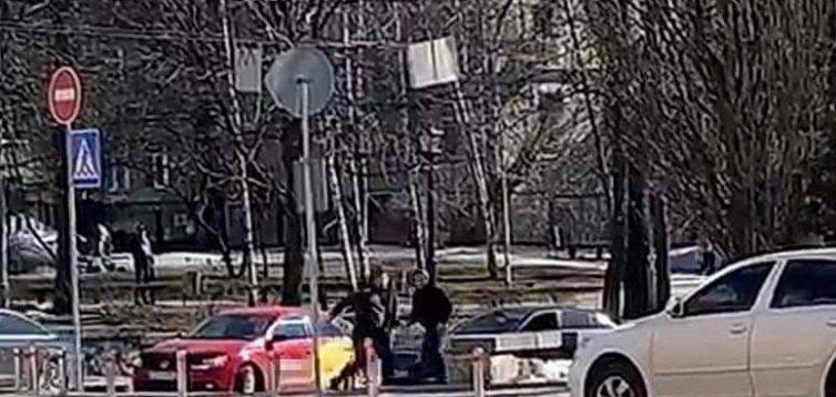 У Києві водії влаштували посеред дороги бійку з різаниною