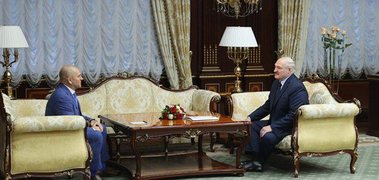 """Депутат від """"Слуги народу"""" поїхав у Білорусь для зустрічі з нелегітимним президентом РБ Лукашенко"""