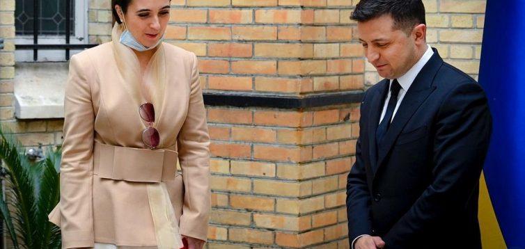 Юлія Мендель йде у відставку: джерело повідомило, хто може стати новим спікером Зеленського