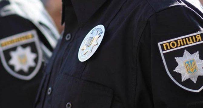 Во Львове мужчина вместо прав показал патрульным колбасу (ВИДЕО)
