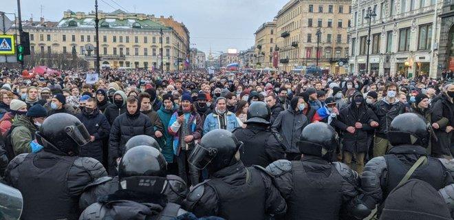 Соратники Навального отказались от митингов в поддержку осужденного оппозиционера