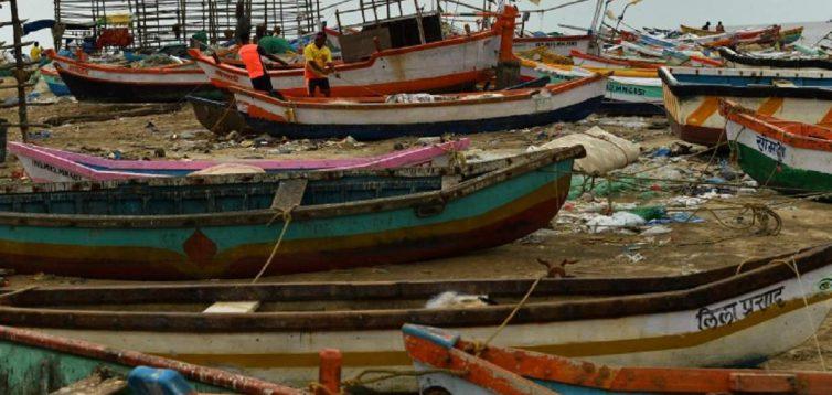"""Індія в полоні циклону """"Тауктае"""": не обійшлося без загиблих та зниклих безвісти"""