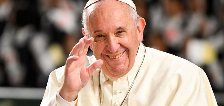 После полугодовой паузы: Папа Римский возобновил публичные аудиенции
