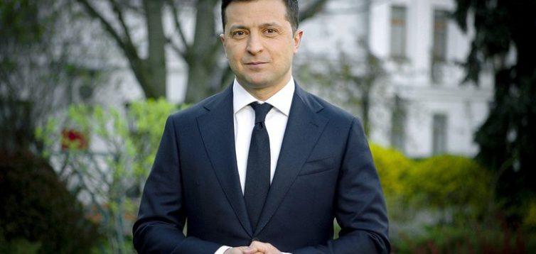 Владимир Зеленский поздравил украинцев с Пасхой