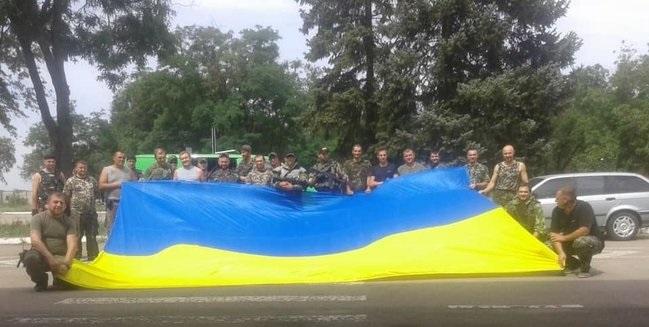 """Екслідер батальйону """"Дніпро-1"""" привітав полк """"Азов"""" з річницею звільнення Маріуполя"""