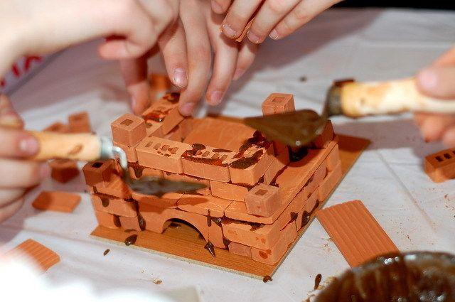 Преимущества детских  конструкторов из кирпичиков