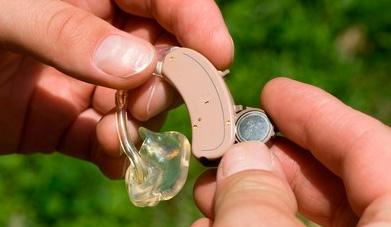 Як вибрати батарейки до слухових апаратів