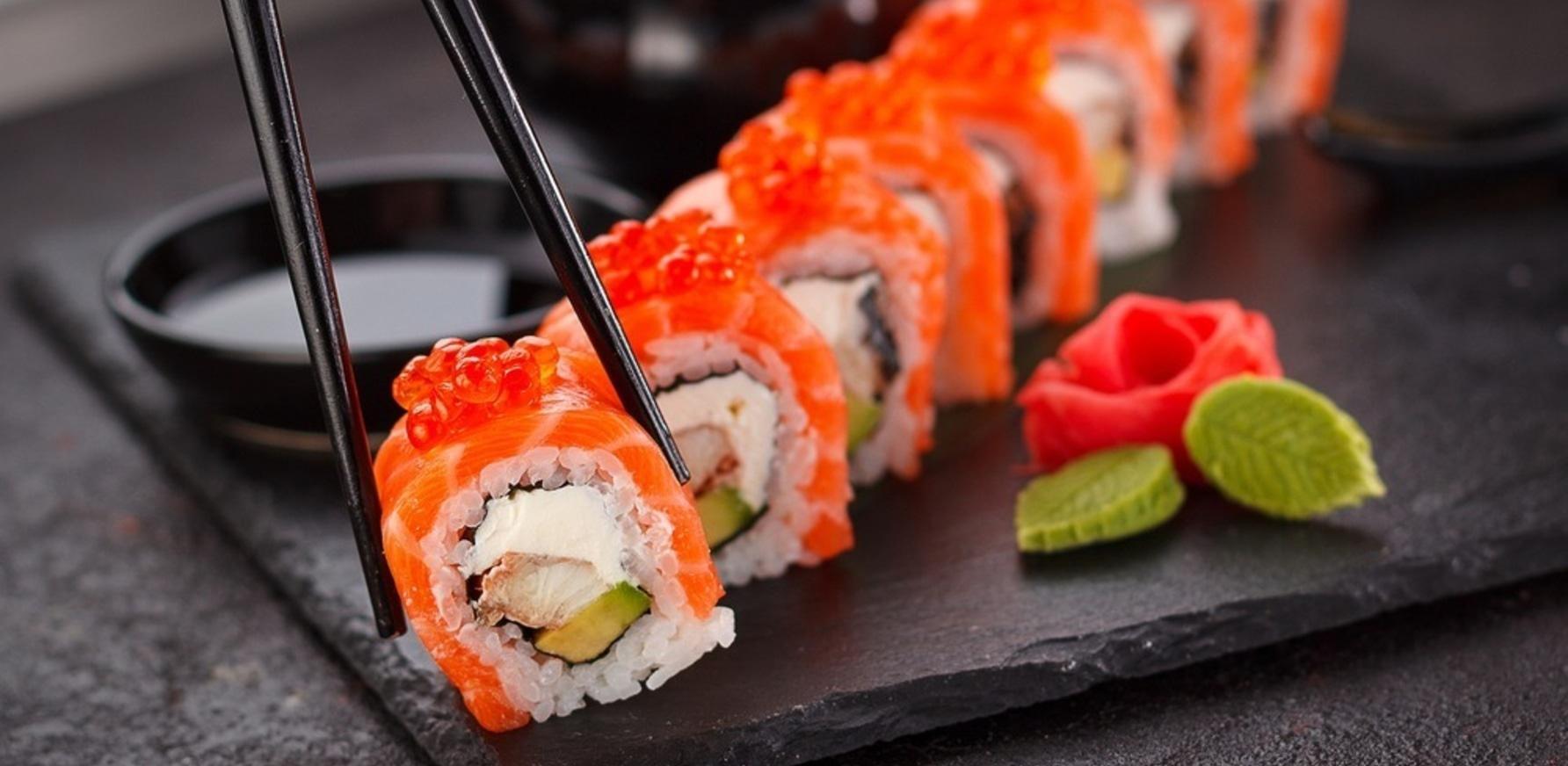 de-skushtuvaty-ta-zamovyty-sushi-v-cherkasah.12@2x