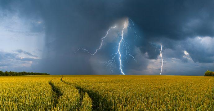 В Україні очікуються сильні грози