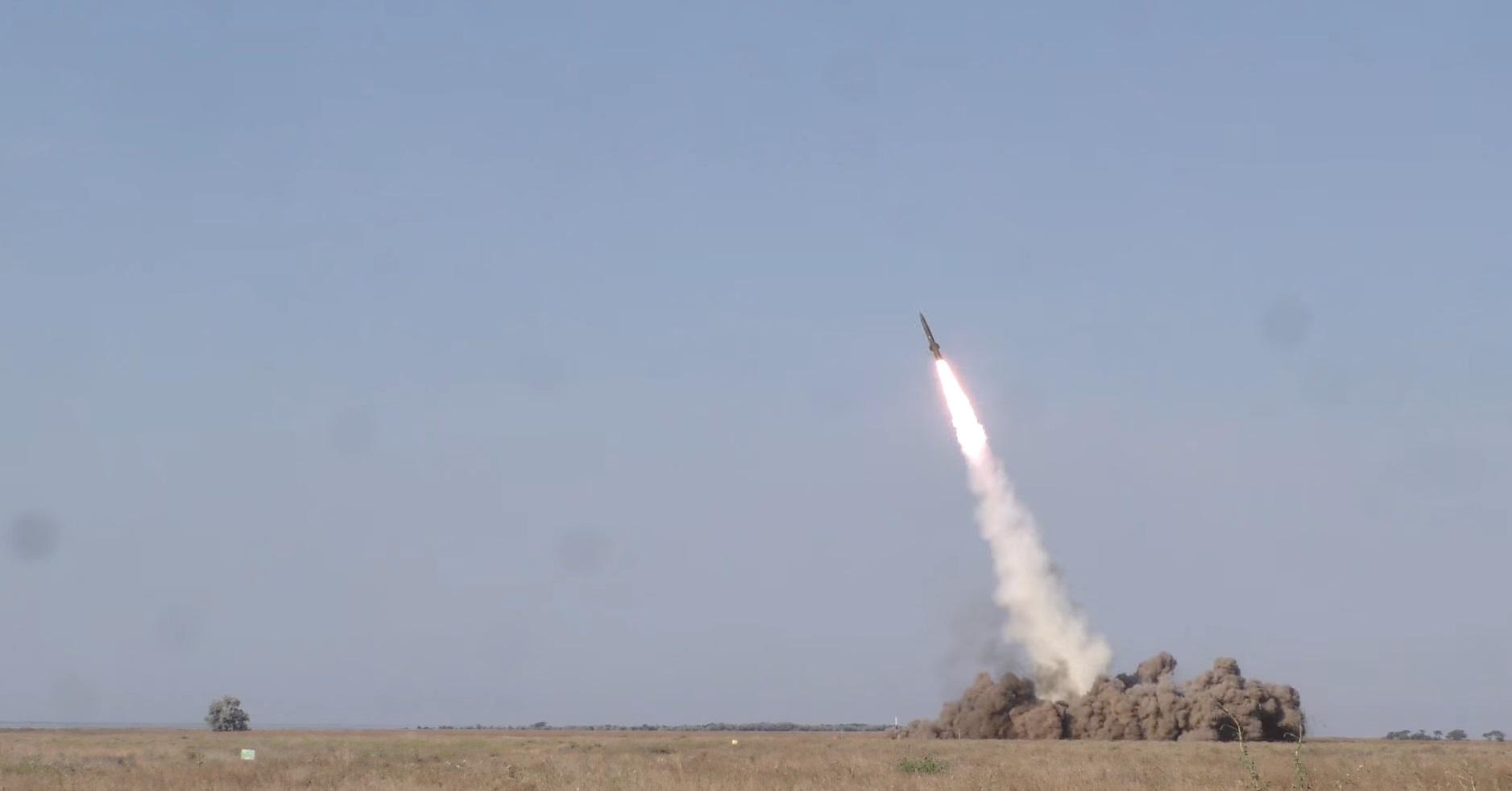 """ЗСУ провели успішні випробування реактивного снаряда """"Тайфун-1″ для РСЗВ """" Верба"""""""