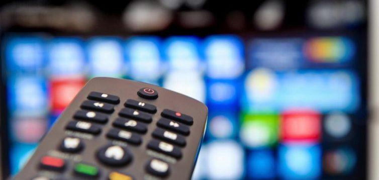 Шість національних телеканалів продовжують показувати російські фільми без українського дубляжу