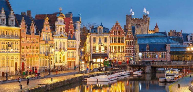 Бельгія дозволила в'їзд туристам з України