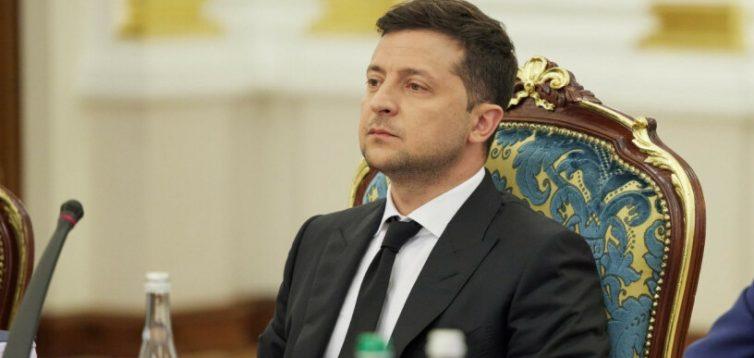 Зеленський може відмовитися від петицій, оскільки вони його не цікавлять, – журналіст