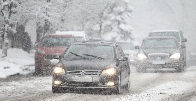 Суворі морози і бурани: прогноз на наступну зиму в Україні