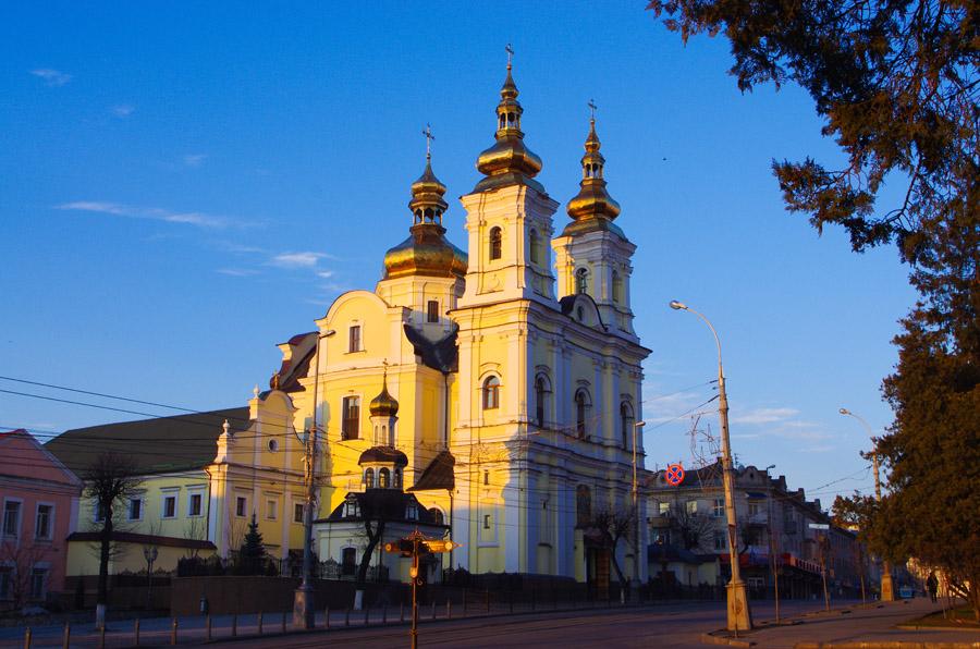 РПЦвУ через суд хоче відібрати у ПЦУ кафедральний собор у Вінниці