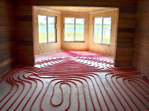 Як забезпечити комфортом теплу підлогу