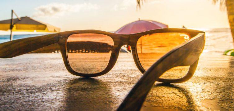 Як купити ідеальну пару сонцезахисних окулярів для форми обличчя