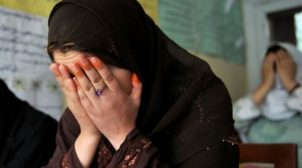 """""""Талібан"""" закликав афганських жінок сидіти вдома, щоб бойовики """"не заподіяли їм біль"""""""