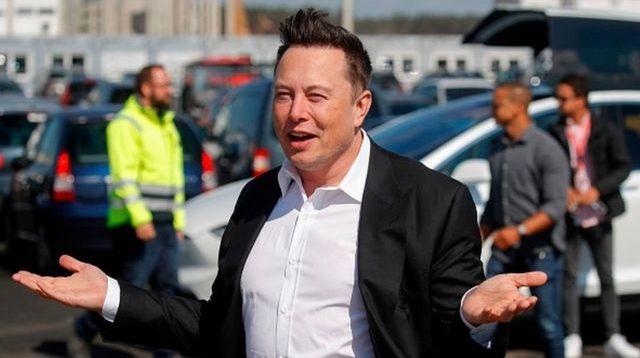 Илон Маск раскритиковал Tesla