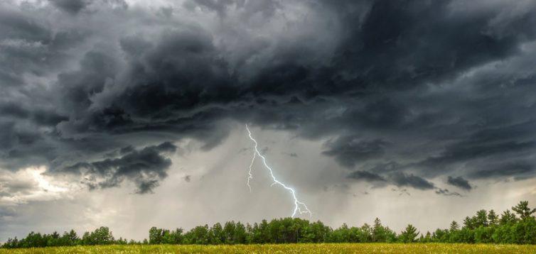 В Україні очікуються короткочасні дощі з грозами