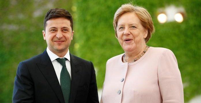Зеленський нагородить Меркель орденом під час її візиту в Україну