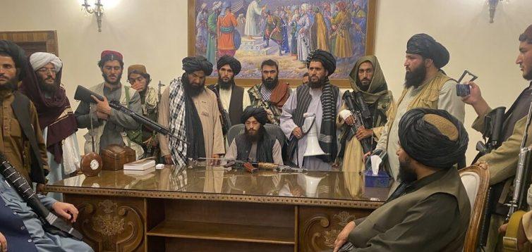 """Посол Росії в Афганістані похвалив талібів за """"наведення порядку"""" в Кабулі"""