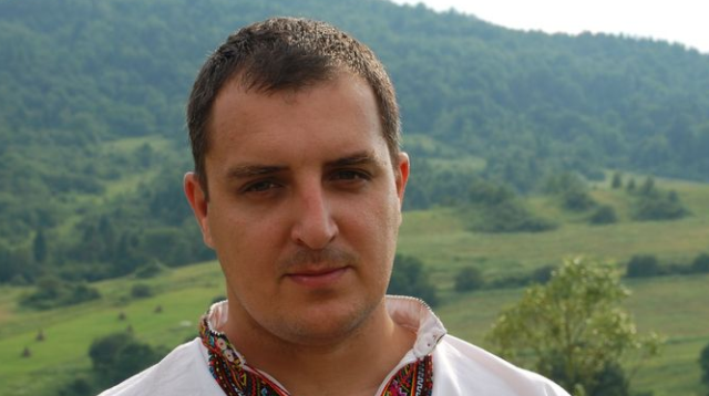 """""""Слуга народу"""" на Луганщині оскандалилася через фото з висадки дерев: з нього """"прибрали"""" депутата від """"ЄС"""""""