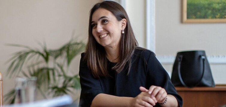"""Мендель пояснила, чому на телеканалі Ахметова закрили її програму """"Велика деолігархізація"""""""