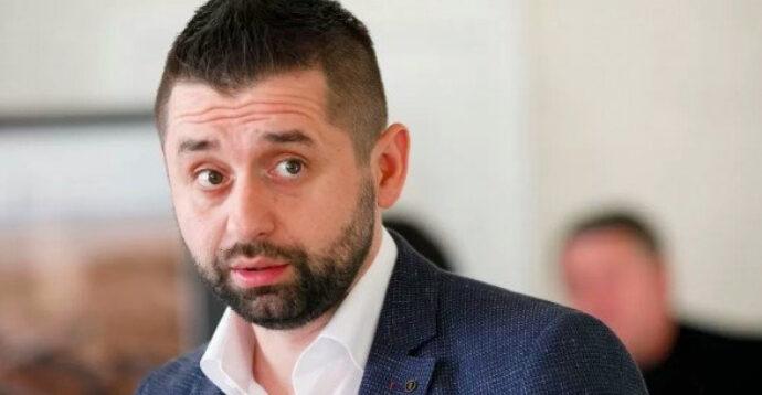 """Голова фракції """"Слуга народу"""" Арахамія заявив, що корупція """"зашита в ДНК"""" українців"""