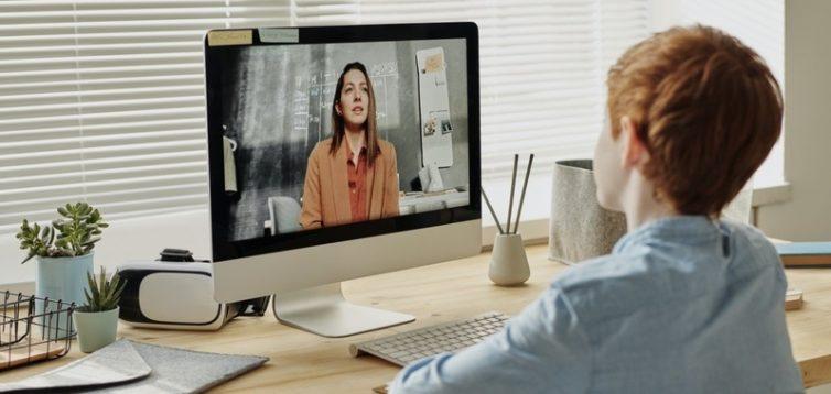 МОЗ назвало критерії переходу на онлайн-освіту в школах
