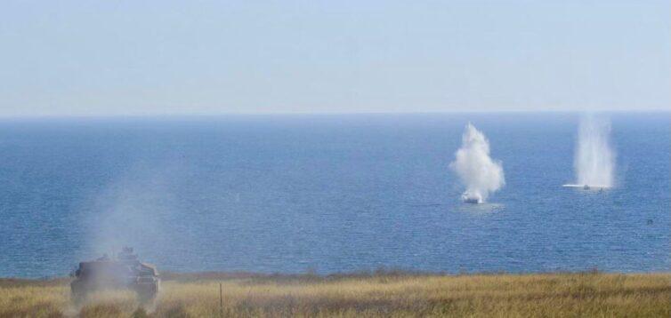 Полк «Азов» потренувався топити російські кораблі