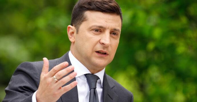 """У """"Слузі народу"""" заявили, що Зеленський виводив гроші в офшори з вини Порошенка"""