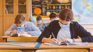 В Україні школи почали масово йти на канікули