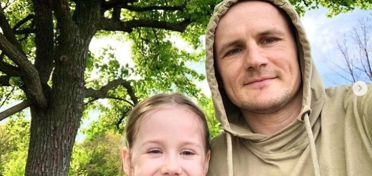 На Київщині у блогера викрали дочку і збираються вивезти в Росію, поліція не діє